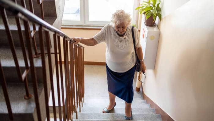 Bewegung im Alltag - Treppensteigen hält fit, ein Leben lang