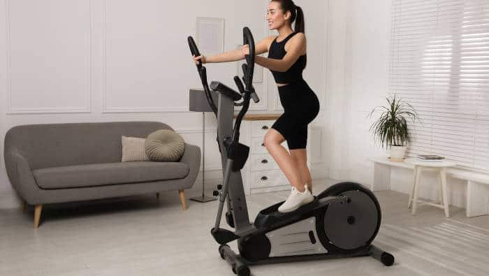 Crosstrainer für zuhause - Training im Wohnzimmer