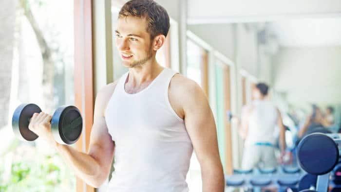 Fitness für Anfänger: kleine Gewichte, viele Wiederholungen