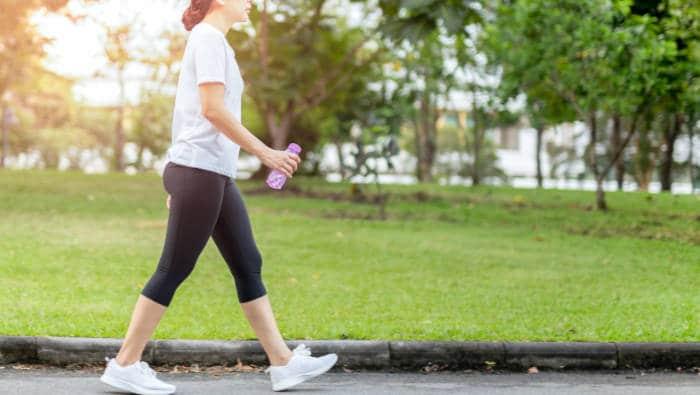 Fitness - einfaches Gehen macht fit und schlank