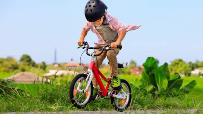 Bewegung für Kinder und Jugendliche - Rad fahren