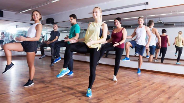 Zumba Fitness - Anstrengender Spaß zu Musik