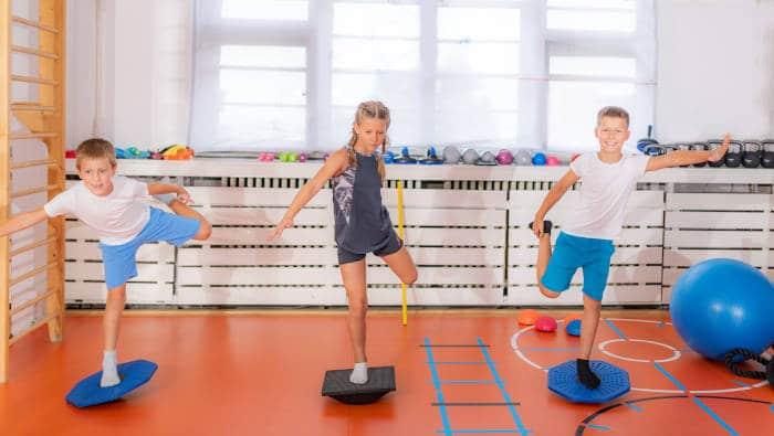 Kinder balancieren - eine Koordinationsaufgabe