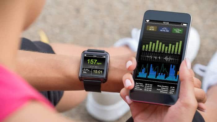 Fitness-App - Smartphone und Uhr