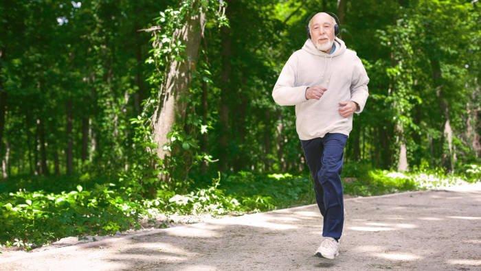 Fitness für Ältere - man kann joggen, wenn man will