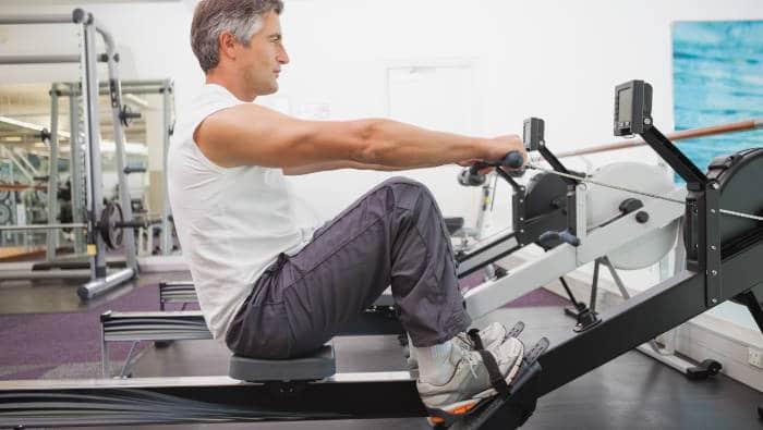 Fitnessruderer auf Rudergerät - bei der Technik geht noch was