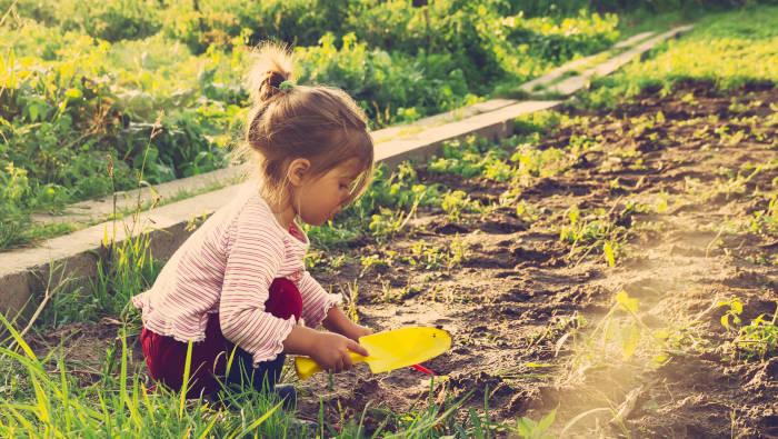 Bewegung für Kinder und Jugendliche: einfach draußen spielen